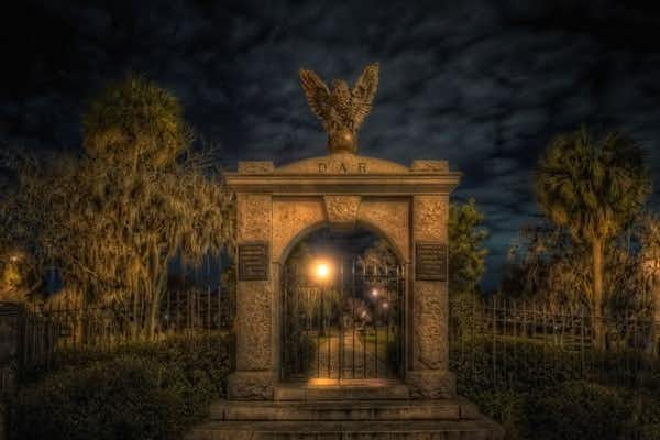 Colonial Park Cemetery, one of the haunted stops on the Beyond Good and Evil Tour