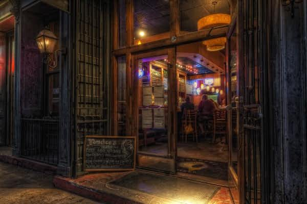 The Savannah Haunted Pub Crawl Tour