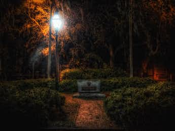Hidden Cemeteries in Savannah